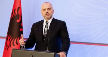 Shqipëria nga nesër në mesnatë mbyll të gjitha hyrjet tokësore