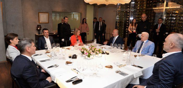 Mogheini darkë për kryeministrat e Ballkanit Perendimorë