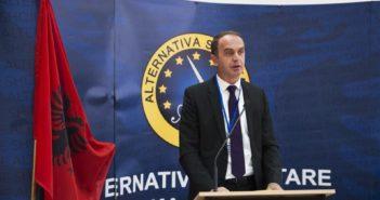 Gjeloshaj: Askush nuk mund të ndaloj përdorimin e flamurit tonë kombëtar