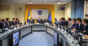 Qeveria e Kosovës rritë taksën në 100% për produktet nga Serbia dhe Bosnja