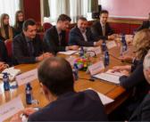 Nimanbegu thekson nevojën e rrugëve Deçan-Plavë dhe Rozhajë-Pejë