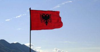 Provokime policore ndaj Flamurit kombëtar në Mal të Zi