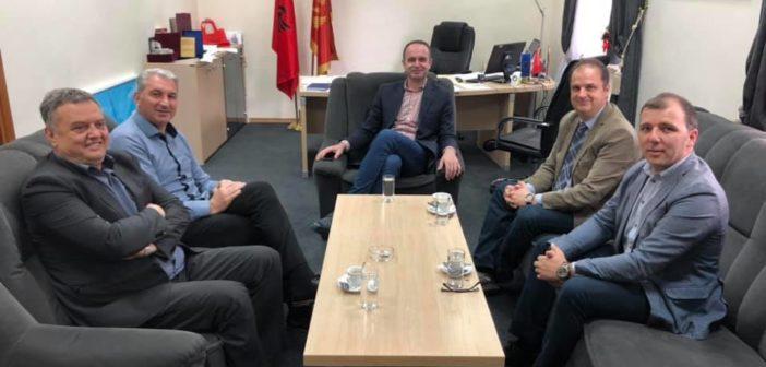 Nënkryetari i Parlamentit, Genci Nimanbegu me bashkëpuntorët vizituan Komunën e Tuzit-Malësisë