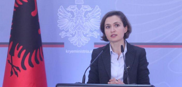 Kërkohet shkakrimi ministres së Arsimit, Besa Shahini pas planit për të shkrirë Akademinë e Shkencave të Shqipërisë me ato të Rajonit