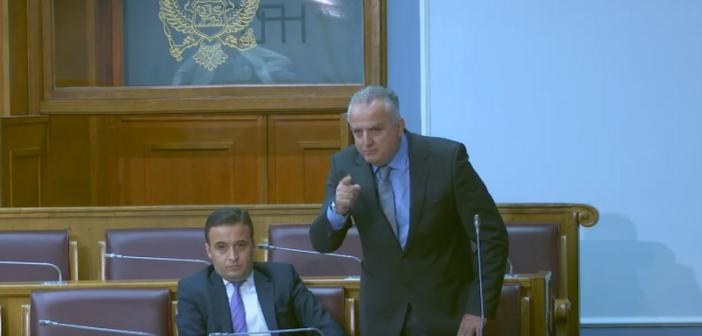 Mehmet Zenka: Shqiptarët janë NJË pa dallim feje dhe nuk mund të na përçani (Video)