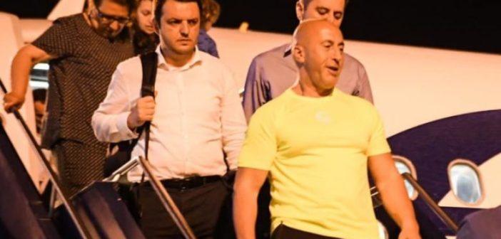Haradinaj kthehet nga Haga: Pafajësinë time nuk mund ta vë në pikëpyetje askush