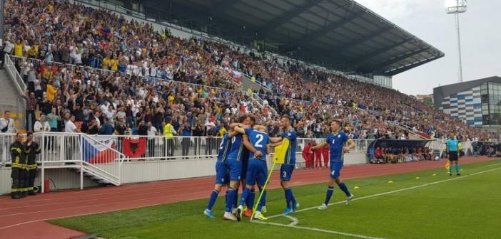 Fitore e madhe, Kosova mund Çekinë dhe kryeson grupin A