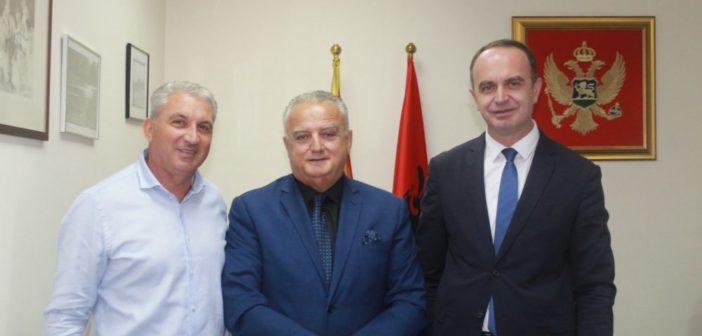 Ministri Mehmed Zenka vizitoi Komunën e Tuzit (Foto)