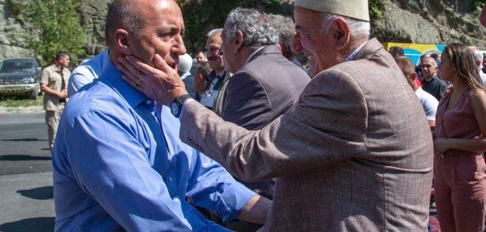 Haradinaj takon shqiptarët e Malit të Zi: Nga Shkodra e deri në Pazarin e Ri jemi vëllezër