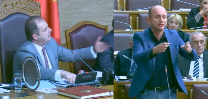Përplasje me fjalë mes Nimanbegut dhe Knezheviq në Kuvend (Video)