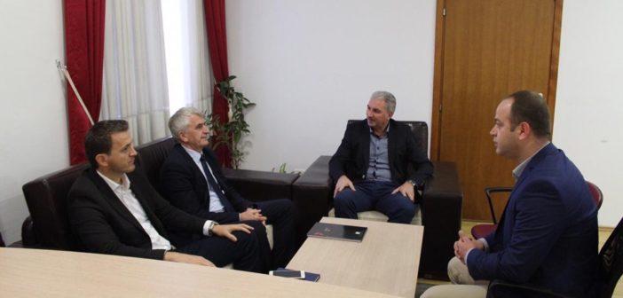 Kosova do të vazhdojë të mbështesë zhvillimin e arsimit shqip në Mal të Zi