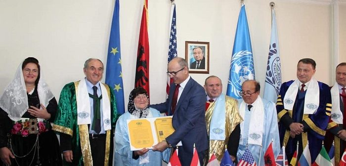 Nderohen Gjyste dhe Shtjefen Ivezaj, për kontributin e tyre në ruajtjen dhe kultivimin e trashigimisë kulturore shqiptare në Malësi të Madhe