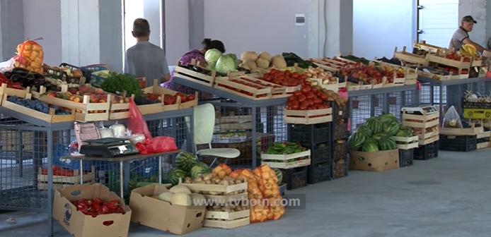 Filloi me punë tregu i gjelbër në Tuz (Video)