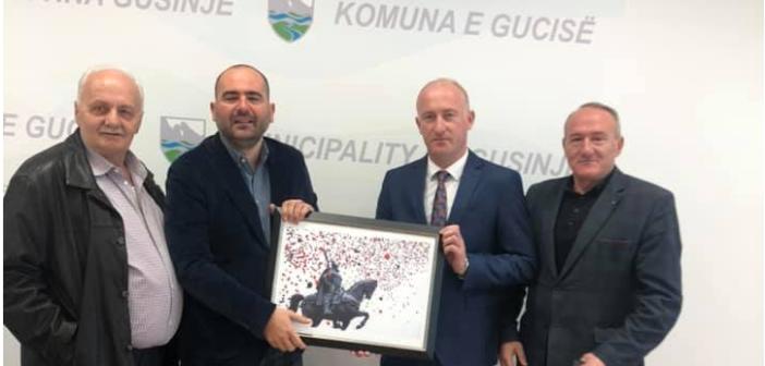 Ambasadori Kurtezi vizitoi komunën e Gucisë